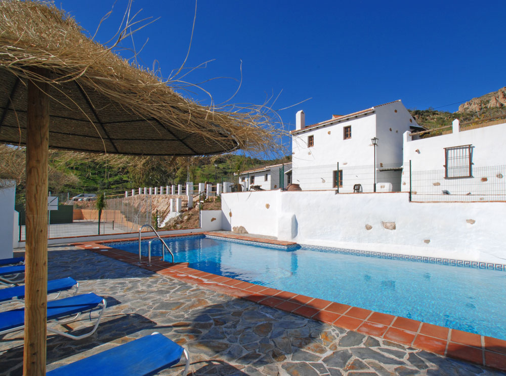 casas rurales con piscina en m laga